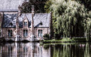 Kirche am Kanal